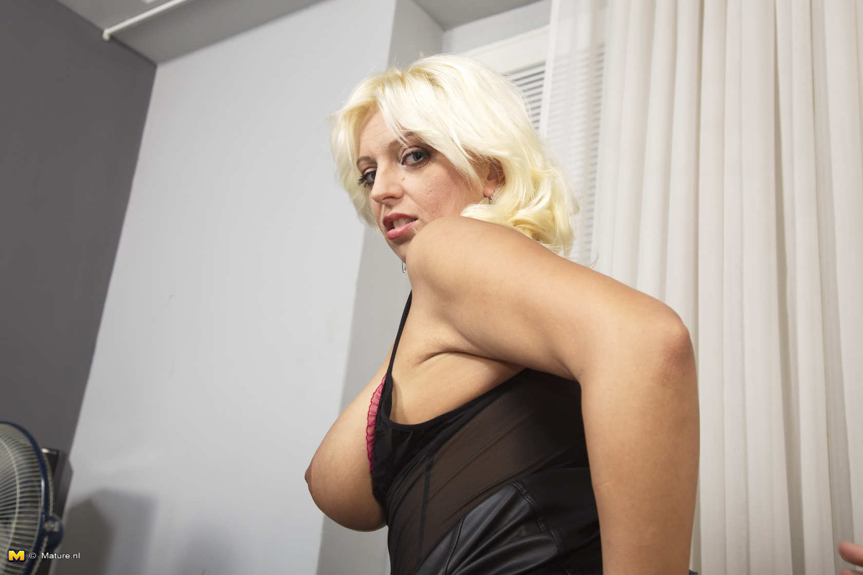 Naughty light-haired housewife getting it in POV fashion