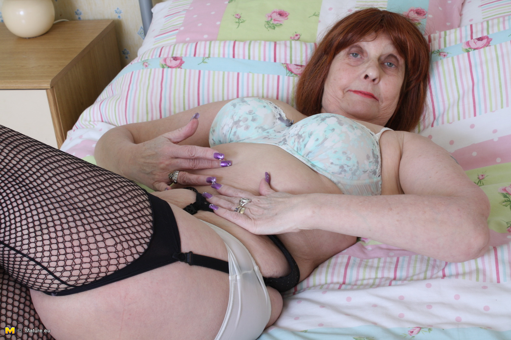 Wild Brit mature doll getting raw on her couch