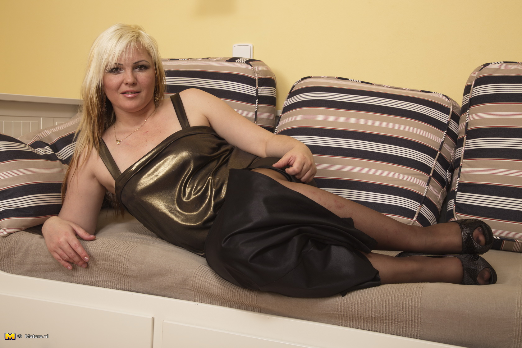 Mature kinky housewives