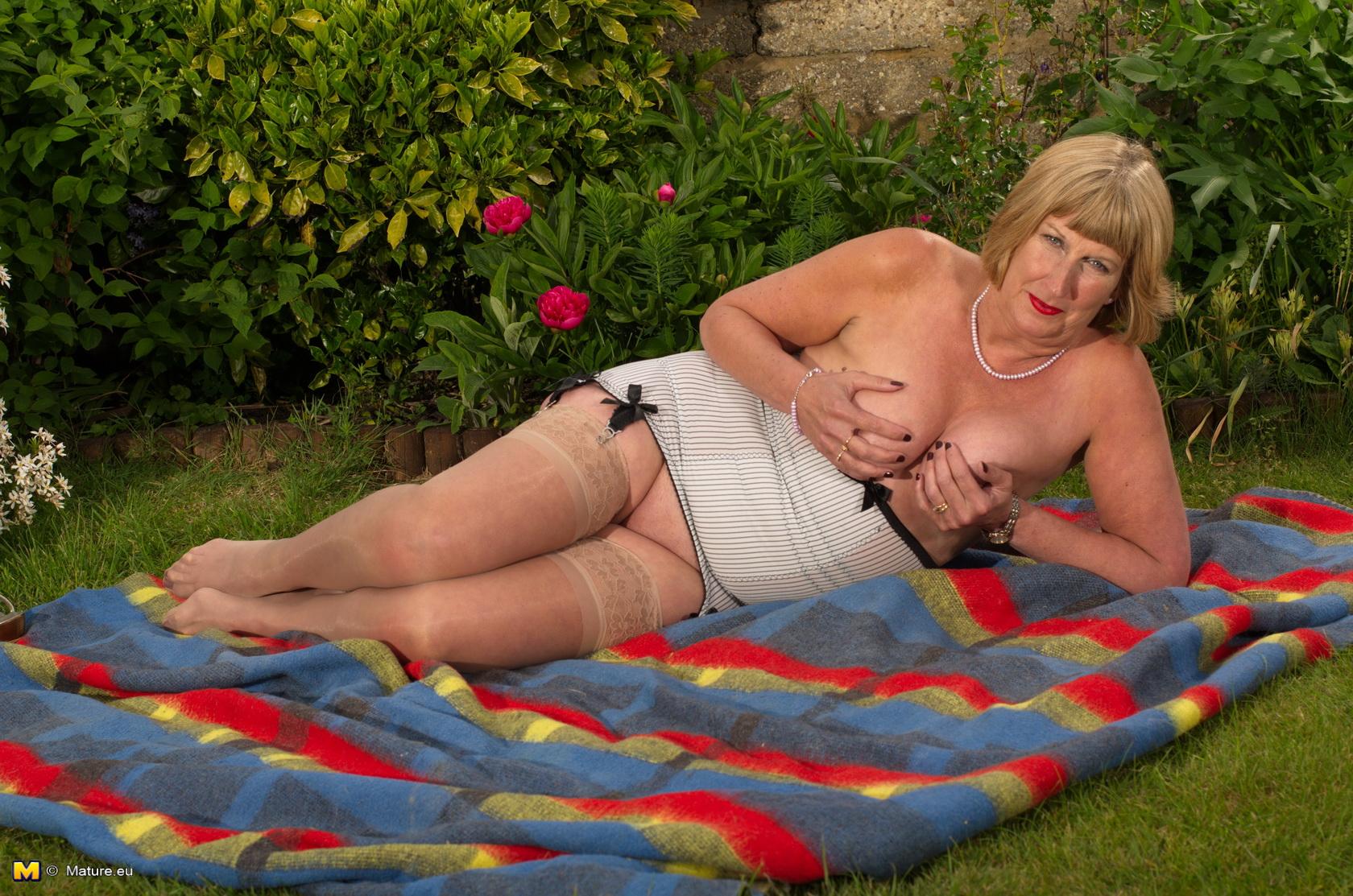 Mature Women British Horny#3